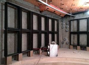 Сборка стен модульной акустической оболочки
